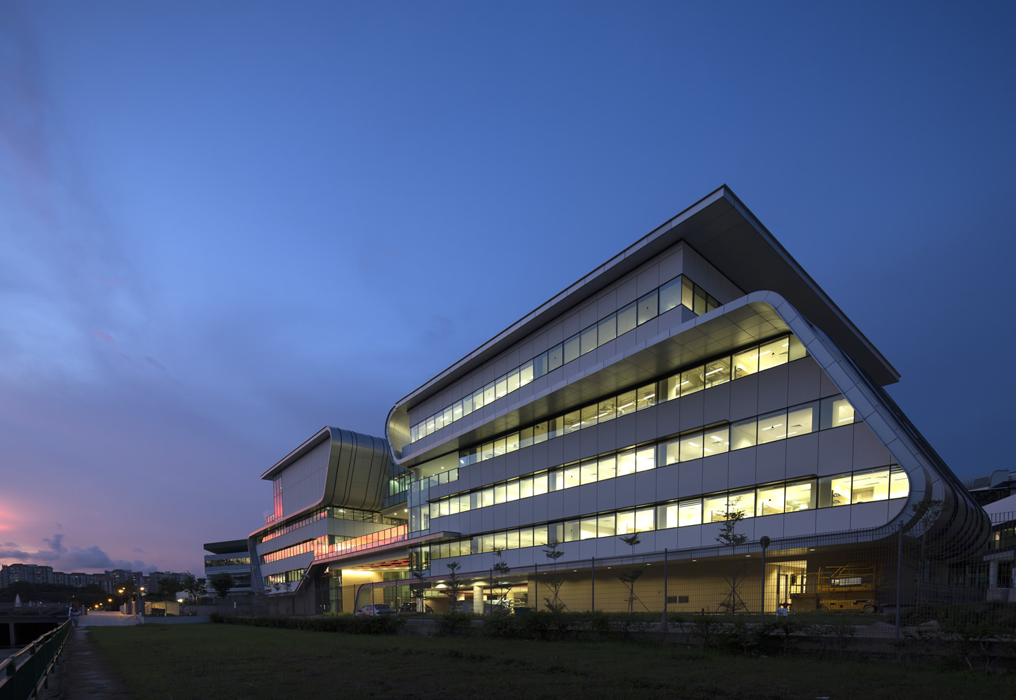 Singapore Institute of Technology at Temasek Polytechnic, S'pore